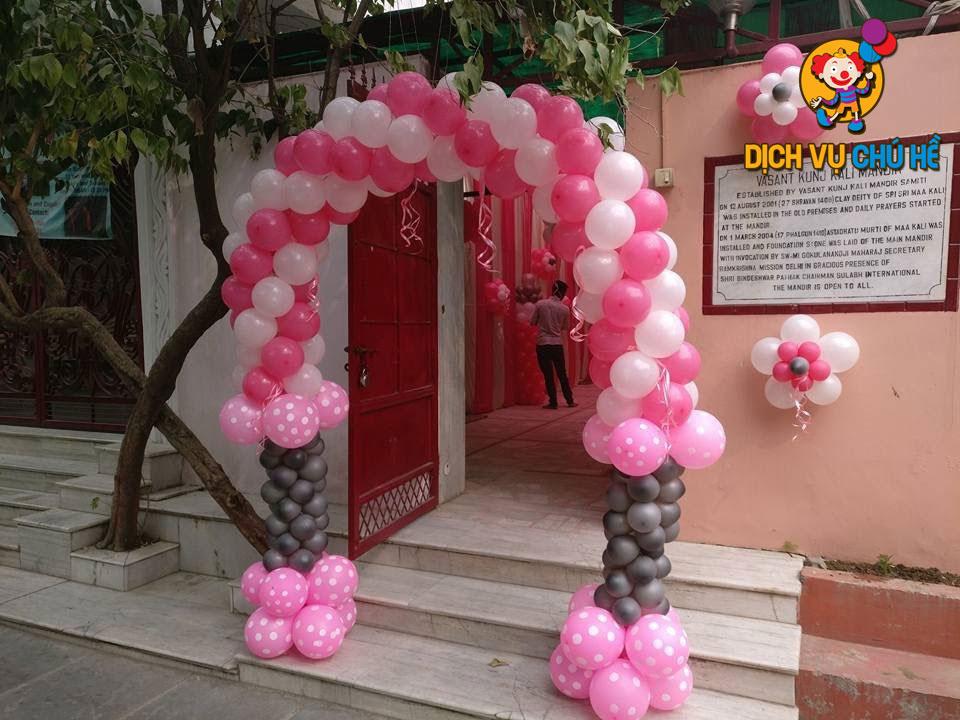 làm cổng bong bóng màu hồng